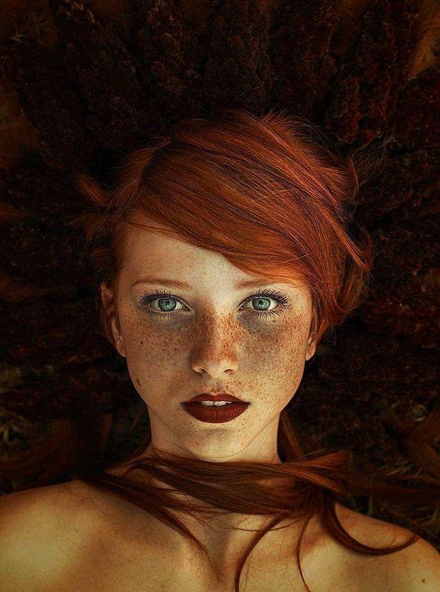 10 Fotoğrafta Kızıl Saçlı Ve Çilli Kadınların Güzelliği