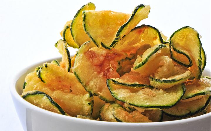 Evde Rengarenk Sebzelerle Yapabileceğiniz 7 Çıtır Çıtır Cips Tarifi