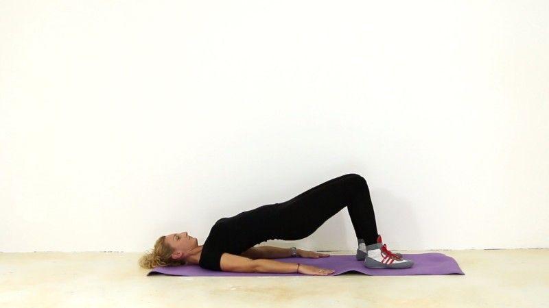 Evde Kolayca Yapabileceğiniz Egzersizler Sayesinde Göbek Yağlarınıza Veda Edebilirsiniz