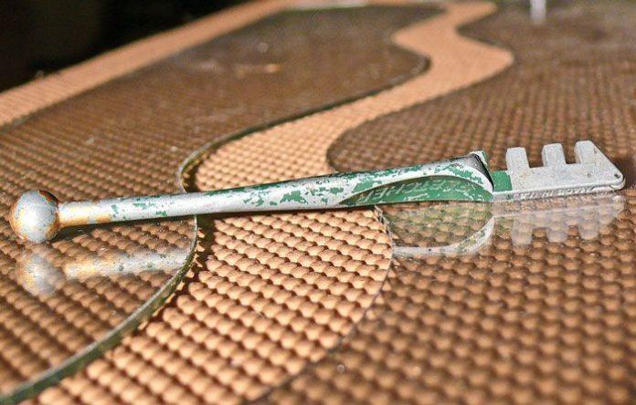 camdan dekoratif şekiller kesmek 10